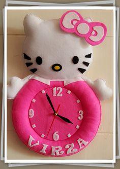 Jam Boneka Karakter Hello Kitty dengan lebar 25cm tinggi 38cm  Untuk informasi : SMS/WA : 0877.8293.1359