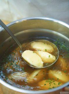 Semolina dumpling soup - Rezepte - A-Z Finance Plan (For Life) Bavarian Recipes, Austrian Recipes, Dumplings For Soup, Dumpling Recipe, Chicken Dumplings, Chicken Soup, Soup Recipes, Cooking Recipes, Healthy Recipes