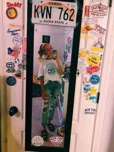 hippie room decor 474496510741387568 - elegant dorm room decorating ideas 5 Source by kindaposty Cute Room Ideas, Cute Room Decor, My Room, Dorm Room, Room Art, Bedroom Inspo, Bedroom Decor, Bedroom Ideas, Aesthetic Room Decor