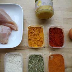 Voor bij het avondeten, als tussendoortje of op de bank als fingerfood tijdens een spannende film. Deze Kentucky fried chicken kan overal en is zo gruwelijk lekker. En toch makkelijk om te maken! Wat heb je nodig voor 20 stuks? 2 grote kipfilets 100 gram bloem peper... #food #juliachallenge #recept