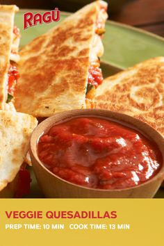 Authentic Italian taste is for lunchtime, too. Try this terrific Veggie Quesadilla recipe from RAGÚ® sauce for a quick, easy midday meal you'll love. Tasty Vegetarian Recipes, Vegan Dinner Recipes, Vegan Dinners, Mexican Food Recipes, Appetizer Recipes, Cooking Recipes, Appetizers, Healthy Recipes, Veggie Quesadilla