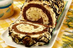 rolada o smaku cappuccino z bananami - Bing images Swiss Roll Cakes, My Favorite Food, Favorite Recipes, Baking Recipes, Dessert Recipes, Albanian Recipes, Polish Recipes, Cake Cookies, Baked Goods