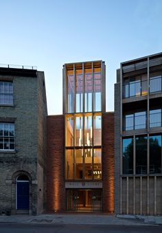 Niall McLaughlin updates Cambridge college using historically suitable materials