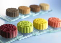 What happened to the old-fashioned mooncakes?
