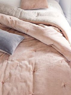 Velvet & Linen Kingsize Quilt - Blush - Bedroom Accessories - Bed & Bath - Indoor Living Dawn colour inspiration for bedroom, waking up on a weekend morning HYGGE! Dream Bedroom, Home Bedroom, Bedroom Decor, Blush Bedroom, Bedrooms, Home Interior, Interior Design, Interior Ideas, Velvet Bed
