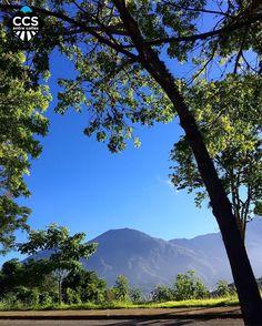 Te presentamos la selección del día: <<AVILA>> en Caracas Entre Calles. ============================  F E L I C I D A D E S  >> @kcazorla << Visita su galeria ============================ SELECCIÓN @ginamoca TAG #CCS_EntreCalles ================ Team: @ginamoca @huguito @luisrhostos @mahenriquezm @teresitacc @marianaj19 @floriannabd ================ #avila #elavila #amanecer #Caracas #Venezuela #Increibleccs #Instavenezuela #Gf_Venezuela #GaleriaVzla #Ig_GranCaracas #Ig_Venezuela…
