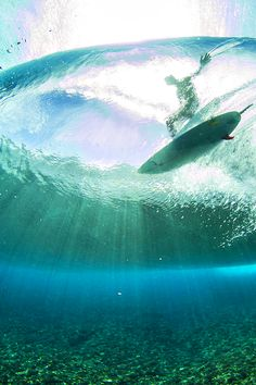 highenoughtoseethesea: Teahupo'o, in full bloom. Photo: Ben Thouard
