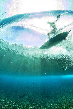 highenoughtoseethesea:  Teahupo'o, in full bloom. Photo: Ben Thouard #surfer #surfing #photography