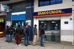Un nuevo caso de desfalco en el Banco Unión fue descubierto    recientemente y divulgado este jueves, luego de una    auditoría realizada por esa entidad. Se trata de un exjefe    de operaciones de la localidad de Desaguadero. Bolivia, Broadway Shows, Boss, Banks, Centre