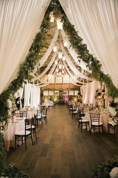 Earthy and organic wedding style with modern greenery weddingideas 25 sweet and romantic rustic barn wedding decoration ideas junglespirit Image collections