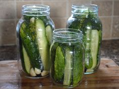 Recipe for crunchy Dill Pickles ~ easy to make and keeps for a year #pickles