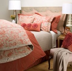 41 Trendy bedroom ideas for women coral living rooms Coral Bedding, Coral Bedroom, Bedroom Colors, Bedroom Decor, Bedroom Ideas, Coral Pillows, Design Bedroom, Coastal Bedrooms, Trendy Bedroom