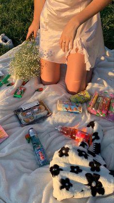 cute stuffs lolita jade bag floral lily bag dress summer Nature Aesthetic, Summer Aesthetic, Aesthetic Food, Aesthetic Indie, Picnic Date, Summer Picnic, Beach Picnic Foods, Comida Picnic, Summer Dream