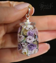 Little bottle of flowers Beads And Wire, Clay Beads, Lampwork Beads, Resin Jewelry, Jewelry Crafts, Jewelry Art, Resin Necklace, Handmade Beads, Handmade Jewelry