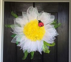 Daisy mesh wreath Flower mesh wreath Spring by ShellysChicDesigns