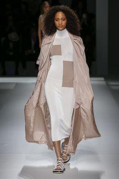 New York Fashion Week: look e tendenze Primavera Estate 2019 - Vogue. Fashion Week, Runway Fashion, Spring Fashion, High Fashion, Fashion Tips, Fashion Design, Fashion Trends, Fashion Fashion, Fashion Show Collection