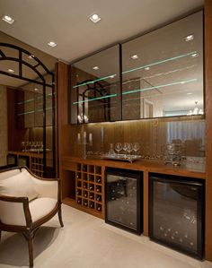 Love stocking up on pricey wine and whiskey bottles up in your house as part of the luxury display? Check out the home bar interior design ideas. Mini Bars, Crockery Cabinet, Bar Unit, Bar Interior Design, Wine House, Home Bar Designs, Bars For Home, Bathroom Interior, Sweet Home