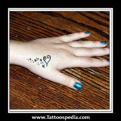 Abstract Tattoos for Women | ... 20Tattoo%20Ideas%20For%20Women%201 Small Heart Tattoo Ideas For Women