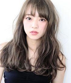 ⭐️池袋エリア1番の人気店リニューアル⭐️お気に入り登録3300人突破☄️圧倒的なコスパ⭐️全国4位⭐️ホトペで口コミ1600件突破⭐️池袋で1番の満足度🌟イルミナカラー&アディクシーカラー⭐️|ambleluxe所属・ambleluxeのヘアカタログ|好みのスタイルやデザインを見つけたら即予約!「なりたい自分」を叶えてくれる美容師を探せます! Medium Short Hair, Medium Hair Styles, Long Hair Styles, Asian Hair Waves, Wavy Hair Perm, Korean Hair Color, Onion For Hair, Beige Hair, Hair Color Techniques