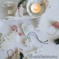 Hallo, Ihr Lieben!  Was Ihr hier seht ist ein bisschen was von meinem DIY.  Wenn Ihr mehr sehen und wissen wollt, was ich gemacht habe, dann guckt doch mal in meinem Blog vorbei.  Würde mich sehr darüber freuen :-) (Link steht oben im Profil) ♡♡♡♡♡♡♡♡♡♡♡♡♡♡♡♡♡♡♡♡♡♡♡ Ich wünsche Euch einen schönen Nachmittag:-) #diy#white#whitehomes#whiteliving#weihnachtsdekoration#christmasdecoration#noël#christbaumschmuck#teelicht#kerzenwachs#kerzen#basteln