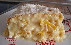 Bolo de abacaxi com creme! - http://www.receitasbrasileiraseportuguesas.com/bolo-de-abacaxi-com-creme/