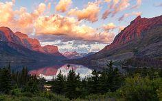 Sunrise at Wild Goose Island in Glacier National Park Montana last August. [OC] [52783321] #reddit