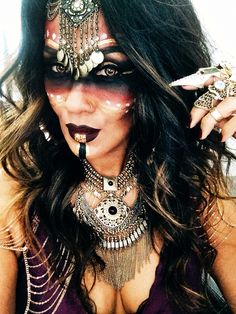 how to apply make up for witch doctor halloween costume Witch Doctor Costume, Voodoo Costume, Voodoo Halloween, Halloween Inspo, Halloween Looks, Holidays Halloween, Halloween 2018, Voodoo Priestess Costume, Doctor Halloween