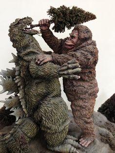 The Holy Grail King Kong vs Godzilla Tree in Mouth Japanese Built Up Kit | eBay