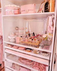 Room Design Bedroom, Bedroom Layouts, Room Ideas Bedroom, Girls Bedroom, Bedroom Decor, Bedrooms, Baby Pink Aesthetic, Aesthetic Bedroom, Glam Room