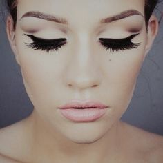 Perfect eye makeup. Loads of lashes are my favorite!