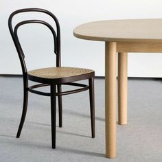 thonet esstisch eben bild oder aecaccccacef bentwood chairs restaurant chairs