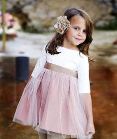 Teresa&Leticia: Simple and elegant Flower Girls, Flower Girl Dresses, Little Girl Dresses, Girls Dresses, Summer Dresses, Fashion Kids, Vintage Stil, Princess Style, Flower Fashion