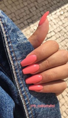 In search for some nail designs and ideas for your nails? Listed here is our list of must-try coffin acrylic nails for trendy women. Summer Acrylic Nails, Best Acrylic Nails, Summer Nails, Acrylic Nail Designs, Colorful Nail Designs, Coral Acrylic Nails, Coral Pink Nails, Short Pink Nails, Violet Nails