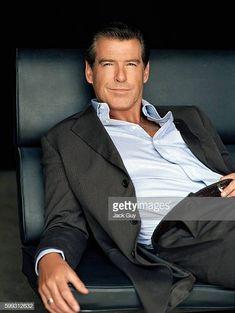 Business Casual Men, Men Casual, Sherlock Holmes Book, Smart Men, Pierce Brosnan, Hot Hunks, Celebrity Portraits, Hollywood Star, Hollywood Celebrities