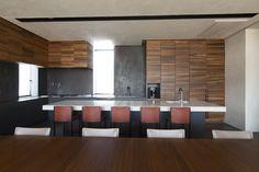 納入事例|キッチンハウス : kitchenhouse|オーダーキッチン・カスタム Kitchen Ideas, Conference Room, Table, Furniture, Home Decor, Decoration Home, Room Decor, Tables, Home Furnishings