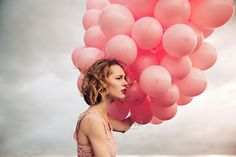 Fotografía the girl with the pink ballons II por Sabrina Guthier en Balloons Photography, Glamour Photography, Color Photography, Portrait Photography, Ballons Fotografie, Most Popular People, Pink Balloons, Birthday Woman, Female Portrait