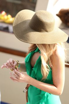 Just bought a giant sun hat like this at Target for $2.50! Cant wait for Summer!