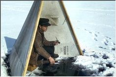 Ice fishing shanty-tent