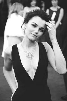 Samantha Barks Oscars 2013 - natural beauty.