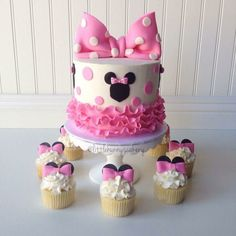 Brilliant Image of Minnie Birthday Cake . Minnie Birthday Cake Minnie Mouse Cake And Cupcakes Pretty Cake En 2018 Torta Minnie Mouse, Bolo Do Mickey Mouse, Bolo Minnie, Minnie Mouse Birthday Cakes, Minnie Mouse Baby Shower, Minnie Mouse Theme, Birthday Cake Girls, Mickey Cakes, Minnie Mouse Cupcake Cake
