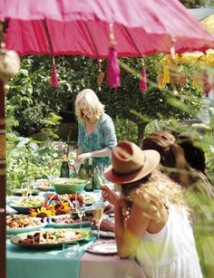 Annabel Langbein - Free Range in the City. A bright and breezy table setting. http://www.annabel-langbein.com/