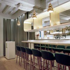'Le Sergent recruteur' Restaurant Door Jaime Hayon in Saint-Louis, Parijs, Frankrijk   Yatzer