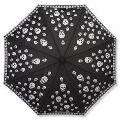 Skulls: umbrella, by Alexander McQueen.always love skulls Alexander Mcqueen, Or Noir, Brollies, Umbrellas Parasols, Skull Fashion, Dark Fashion, Under My Umbrella, Singing In The Rain, Skull And Bones