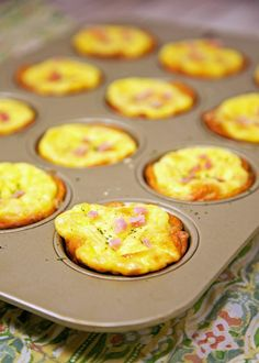 Ham & Cheese Biscuit Quiches Recipe - ham and cheese quiche baked in a biscuit crust. Great way to use up leftover holiday ham! Freeze leftovers for a quick meal later! Quiche Recipes, Brunch Recipes, Breakfast Recipes, Ham And Cheese Quiche, Cheese Biscuits, Breakfast On The Beach, Honey Baked Ham, Leftover Ham Recipes, Baking With Honey