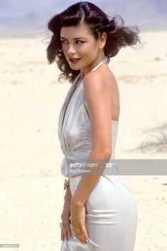 Catherine Zeta Jones, Diana Ross, Swansea, Spartacus, Beautiful Celebrities, Beautiful Actresses, Divas, Cinema Actress, Beautiful Girl Image