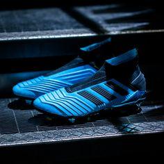 Best Soccer Cleats, Nike Soccer Shoes, Soccer Boots, Football Shoes, Football Kits, Adidas Football, Football Soccer, Adidas Boots, Football Equipment