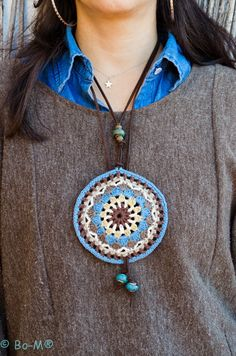 Colar Bo-M...mandala inspiration for a pendant!!