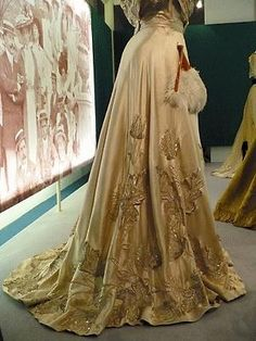 Belle Epoque Belle Epoque, Vintage Outfits, Vintage Fashion, Vintage Clothing, Vintage Style, Applique Skirt, 20th Century Fashion, Beautiful Outfits, Beautiful Clothes