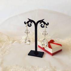 chandelier earrings, long chandelier, drop earrings, big earrings, bridal earrings, wedding long earrings, swarovski crystal clear earrings Big Earrings, Bridal Earrings, Drop Earrings, Chandelier Earrings, Swarovski Crystals, Table Lamp, Place Card Holders, Satin, Silver