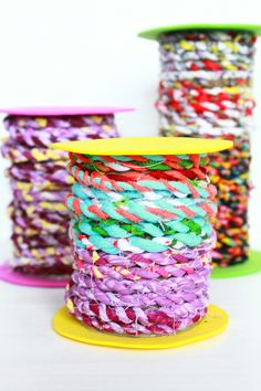 DIY FABRIC TWINE TUTORIAL - Do you have too many fabric scraps? Clean up your basket and put all those scraps to a good use with this delightful tutorial on how to make fabric twine.